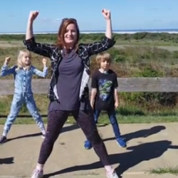 Energizer: dance to the other side met Christy